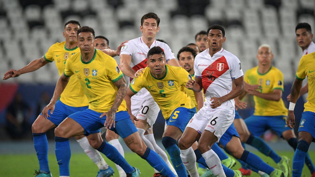 TOPSHOT-FBL-2021-COPA AMERICA-BRA-PER