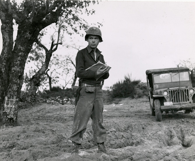 Pulitzer Prize-winning cartoonist Bill Mauldin