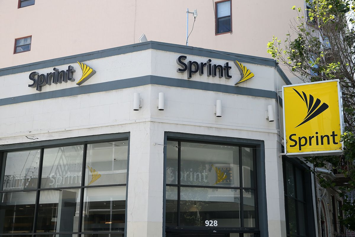 Sprint Offers Free Data for One Year