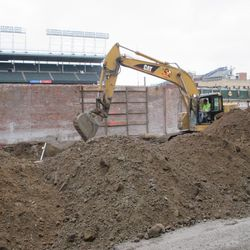 Digging in the right-field bleachers on Sheffield