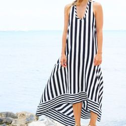 """Jacey of <a href=""""http://www.damselindior.com/"""">Damsel in Dior</a> is wearing a BCBG <a href=""""http://www.bcbg.com/Gia-Silk-High-Low-Striped-Dress/DQH6M937-003,default,pd.html?dwvar_DQH6M937-003_color=003"""">dress</a> and <a href=""""http://www.bcbg.com/Aerial-"""