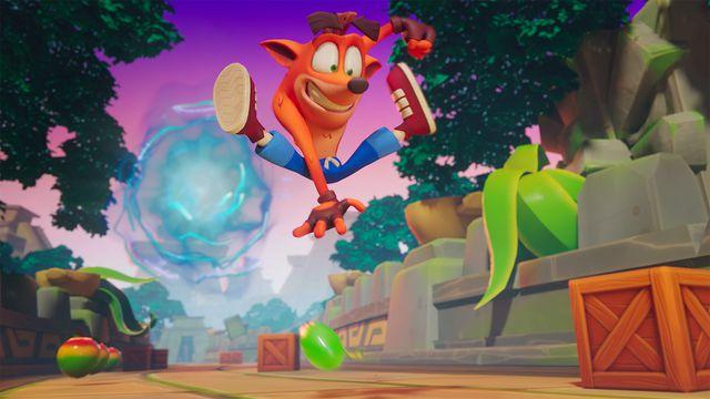Artwork of Crash Bandicoot jumping from Crash Bandicoot: On the Run