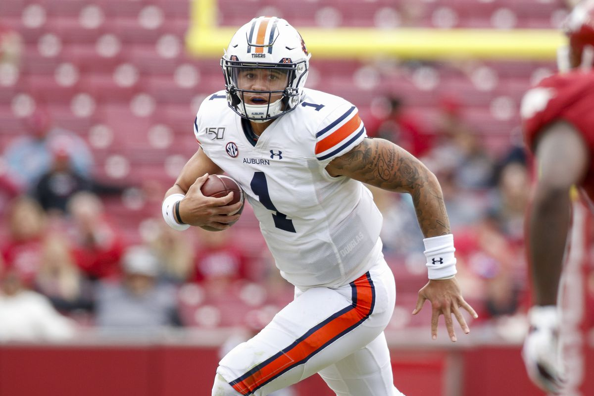 Auburn Tigers quarterback Joey Gatewood carries the football during the game between the Auburn Tigers and Arkansas Razorbacks at Razorback Stadium on October 19, 2019 in Fayetteville, AR.