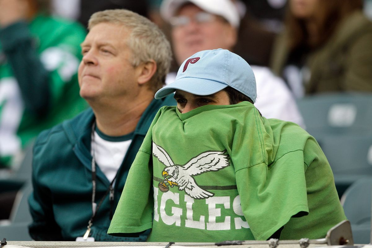 PHILADELPHIA, PA - OCTOBER 02: Philadelphia Eagles fans watch the closing minutes of the Eagles 24-23 loss to the San Francisco 49ers at Lincoln Financial Field on October 2, 2011 in Philadelphia, Pennsylvania.  (Photo by Rob Carr/Getty Images)