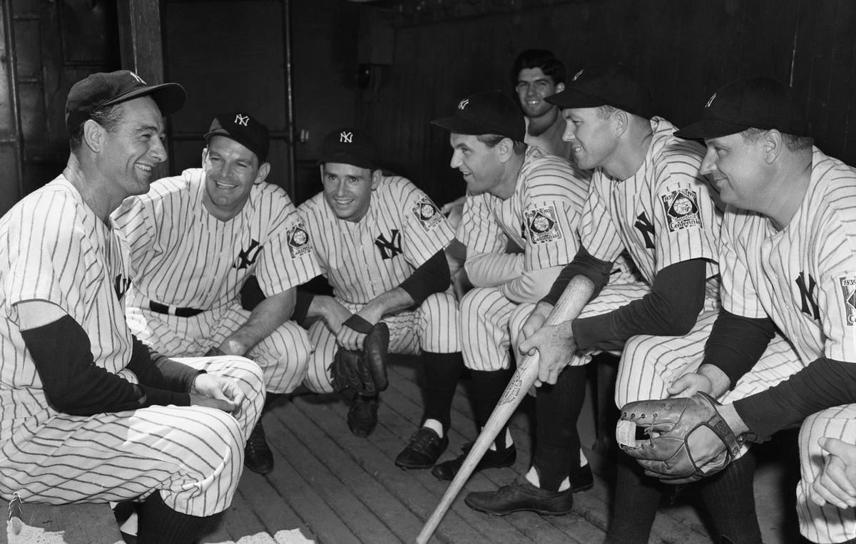 Lou Gehrig In Dugout W/Yankee Teammates