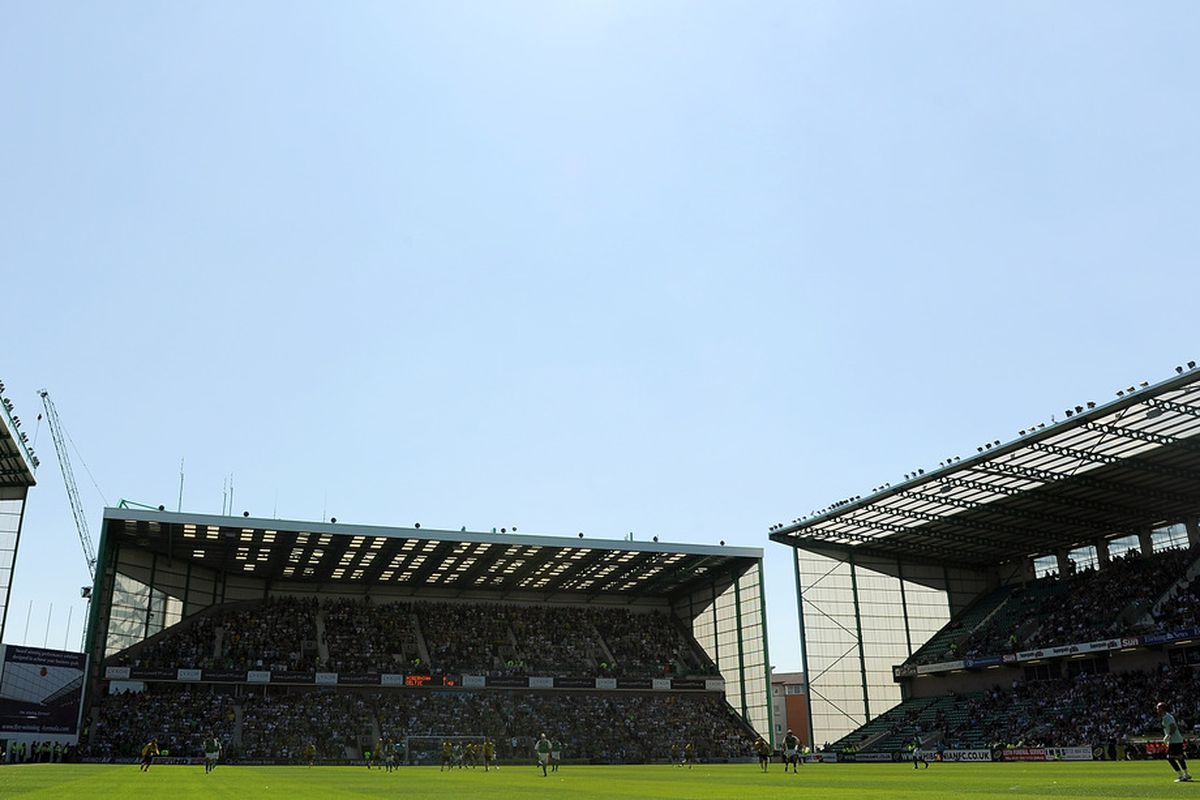 EDINBURGH, SCOTLAND - JULY 24: A general view during the Clydesdale Bank Premier League match between Hibernian and Celtic at Easter Road on July 24, 2011 in Edinburgh, Scotland.  (Photo by Chris Brunskill/Getty Images)