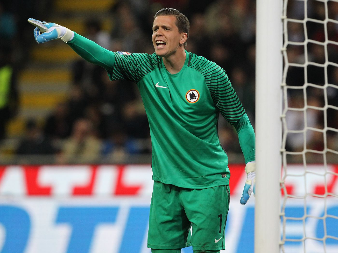 Officially Official Juventus Sign Arsenal Keeper Wojciech Szczesny For 12 2 Million Black White Read All Over