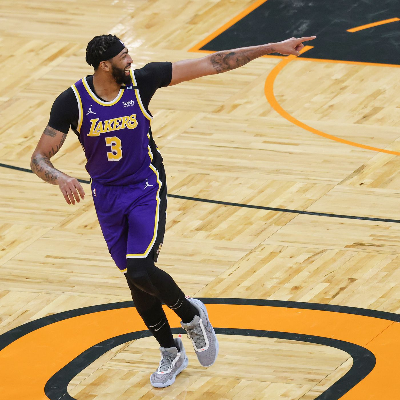 Anthony Davis doesn't want to sit any games down stretch for Lakers -  Silver Screen and Roll