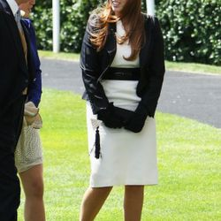 ASCOT, UNITED KINGDOM - JUNE 17:  HRH Princess Beatrice arrives in the parade ring for the first day of Royal Ascot on June 17, 2008 in Ascot, London.