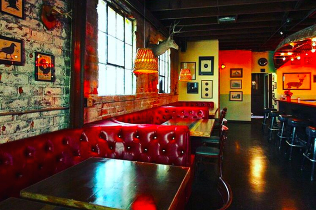 Crawfords in westlake is dustin lancaster 39 s new ode to the for Bar dive