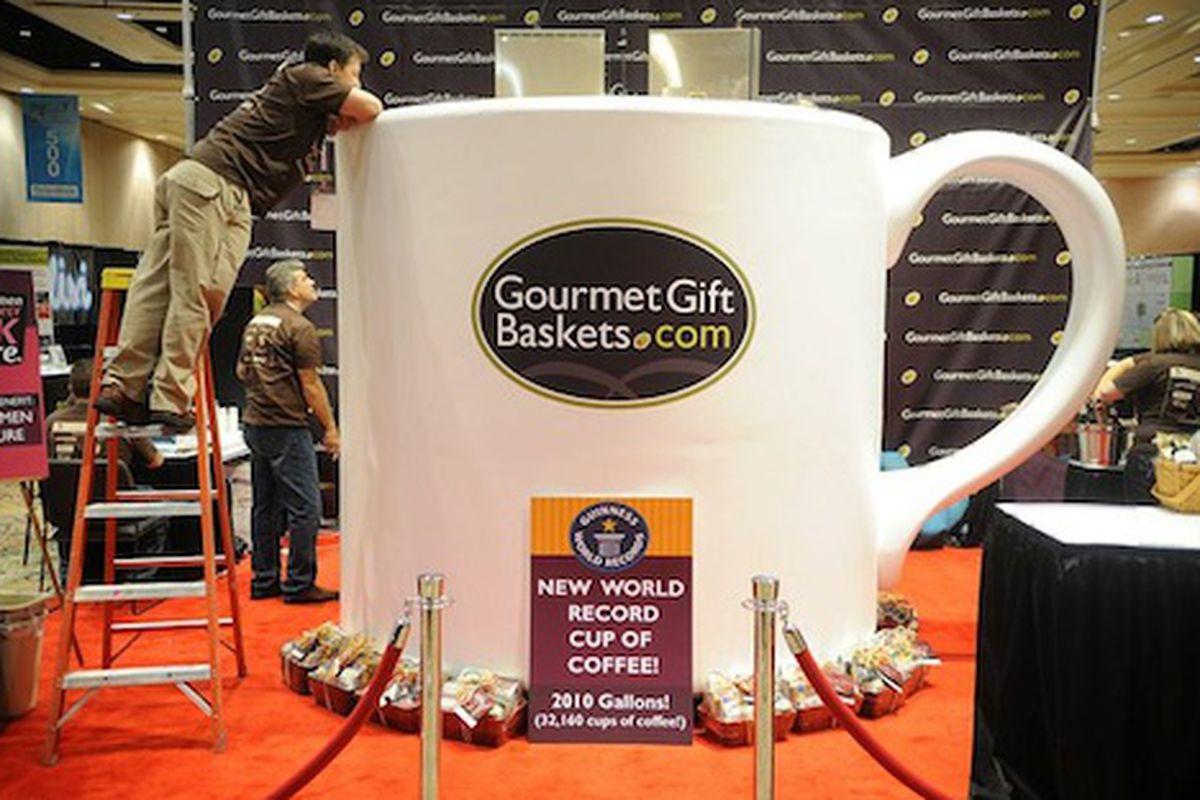 фото Большая кофе казино mandalay bay чашка