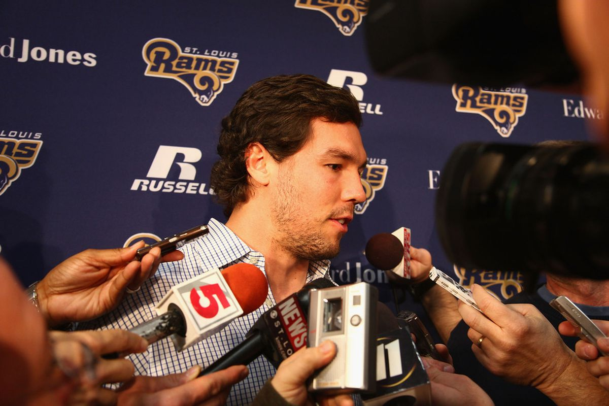 Sam Bradford looked more like his old self on Saturday at the St. Louis Rams' scrimmage.