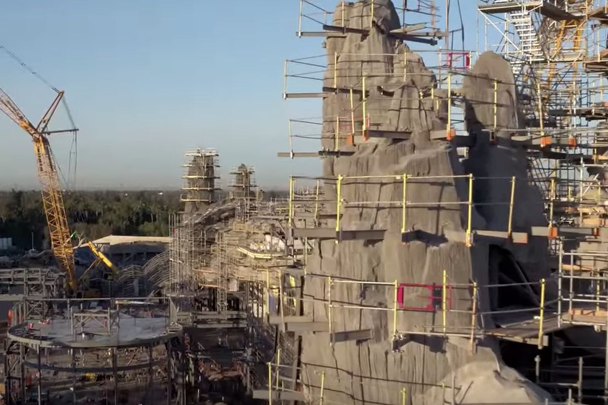 Disney representatives released a short flyover drone video that shows off the new Star Wars Land, which is set to debut next year at both Disneyland and Walt Disney World Resort.