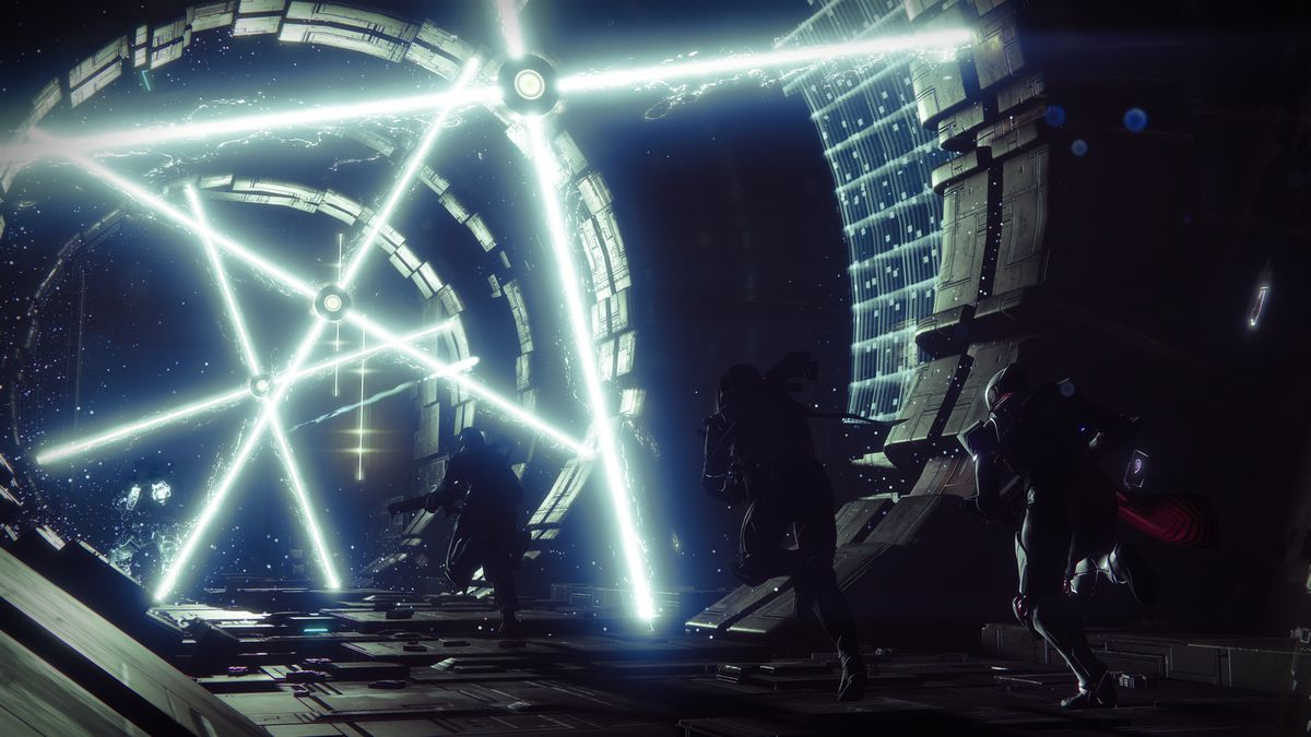 Destiny 2 - three guardians running through rotating lasers in a strike on Io, The Pyramidion