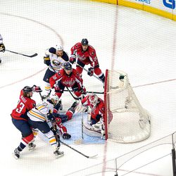 Busy Holtby Crease