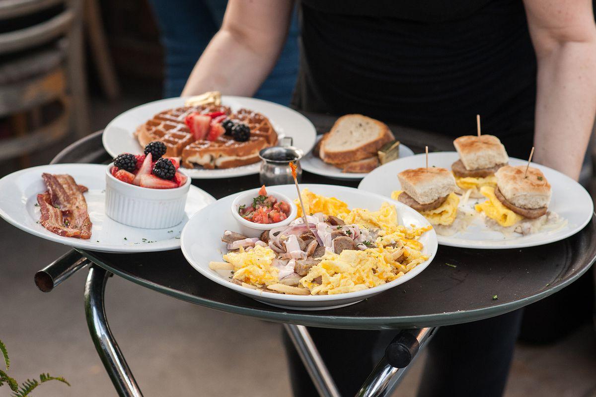 Breakfast Bar, Long Beach