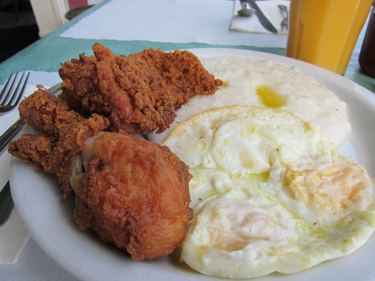 Fried chicken and grits breakfast at Lois the Pie Queen