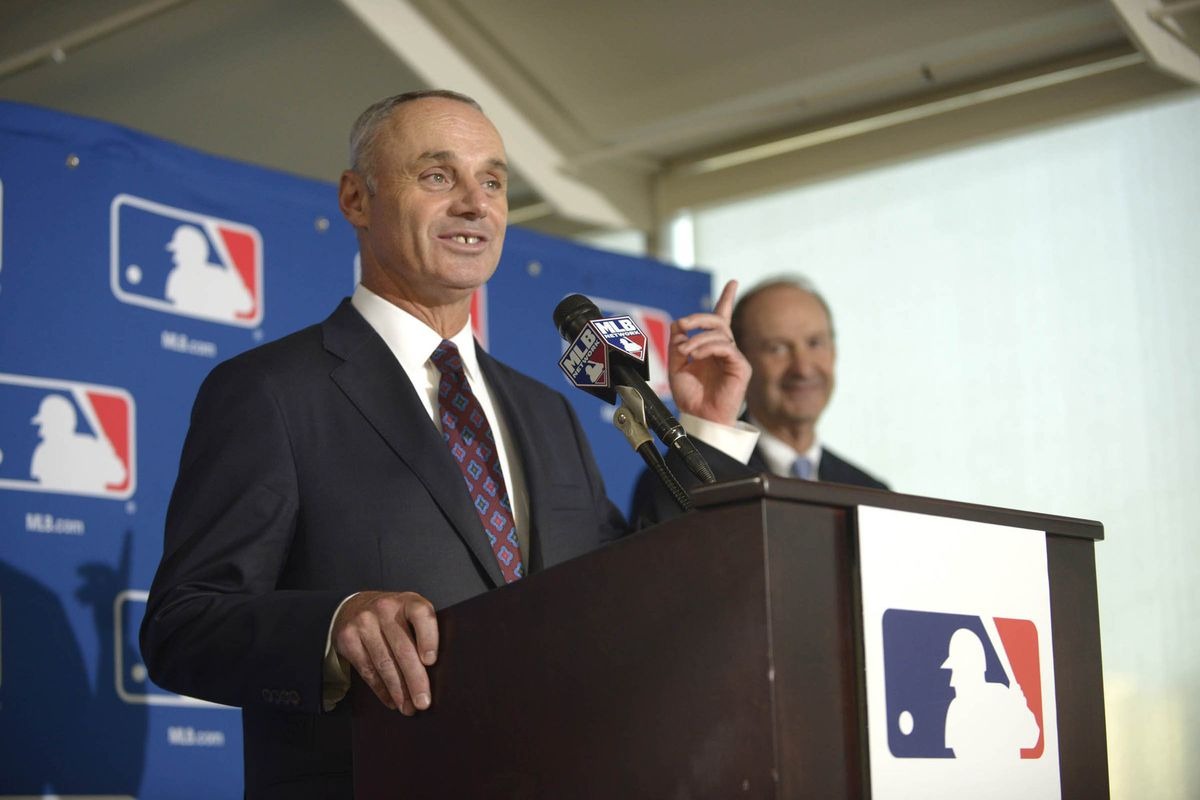 MLB chooses Selig replacement
