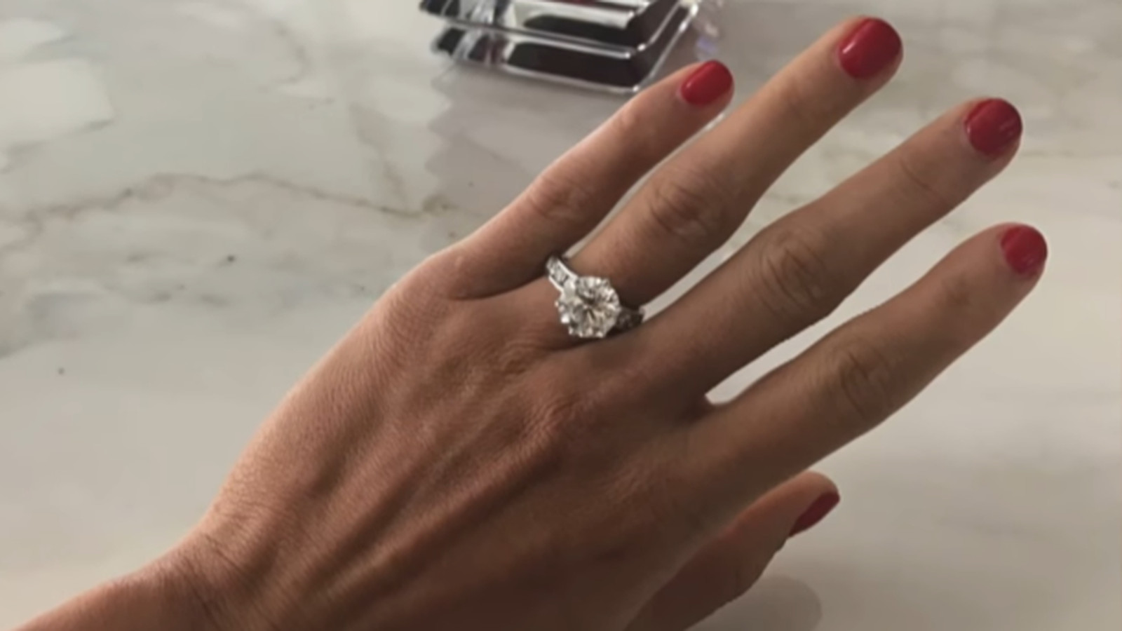 How Much Is Nikki Bella S Engagement Ring