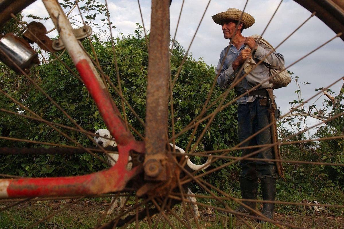 Cubans Manage Despite 40-Year U.S. Embargo