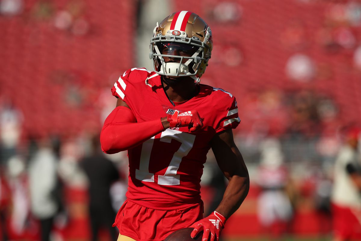San Francisco 49ers wide receiver Emmanuel Sanders runs on the field before the start of the game against the Arizona Cardinals at Levi's Stadium.
