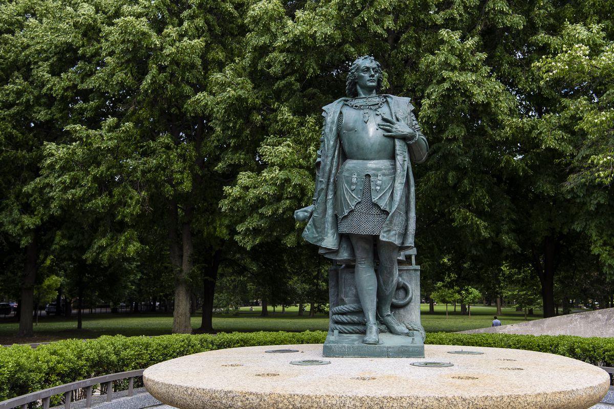 Christopher Columbus statue found at Arrigo Park at 801 S. Loomis St., Thursday, June 11, 2020.   Tyler LaRiviere/Sun-Times