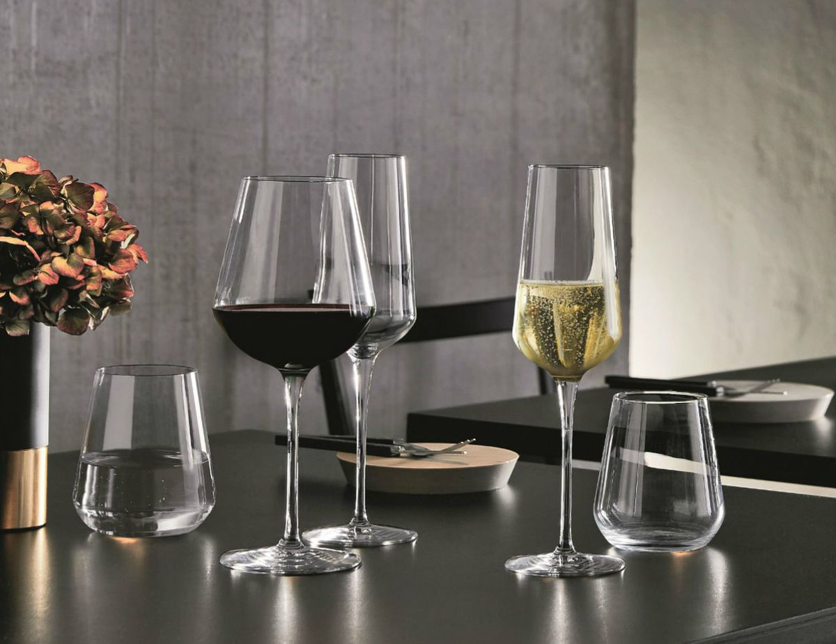 5e1850efd8de The Best Wine Glasses Recommended by Sommeliers for Every Scenario ...