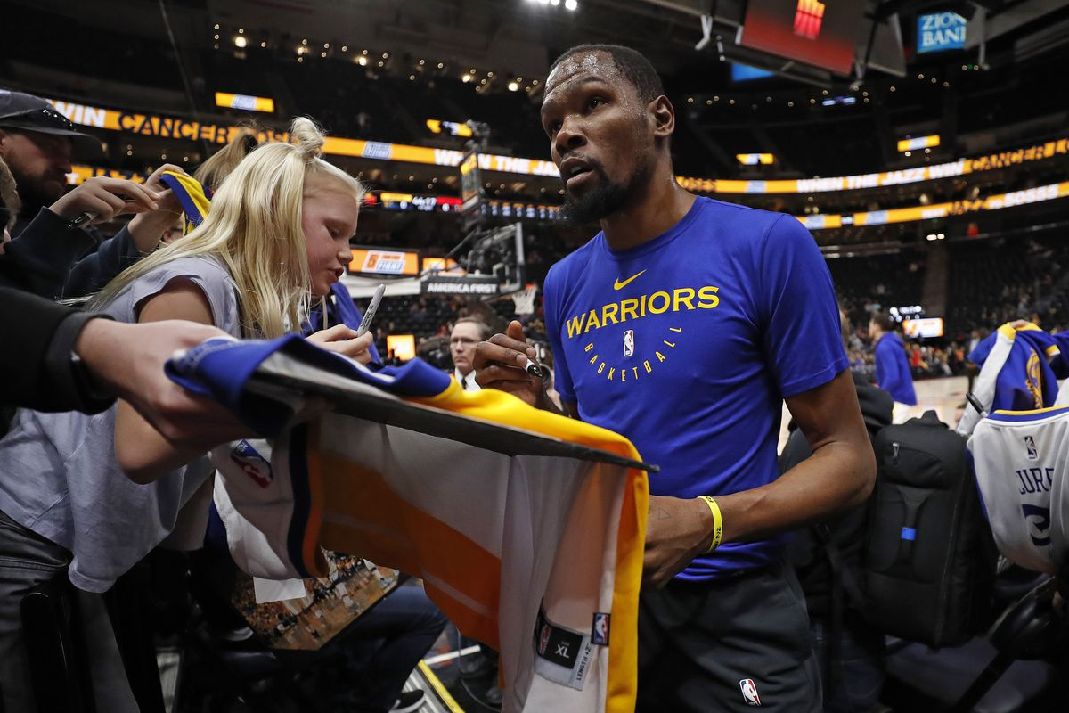 2cd5b563bba Warriors news  Kevin Durant opens after-school center in Maryland ...