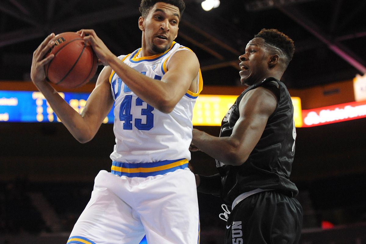 Jonah Bolden did some nice works on the boards.