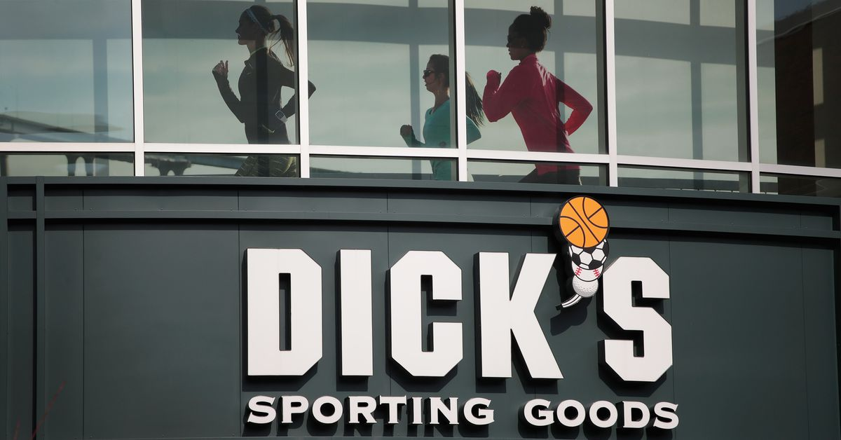 """""""If we really think [assault weapons] should be off the street, we need to destroy them,"""" says Dick's Sporting Goods CEO"""