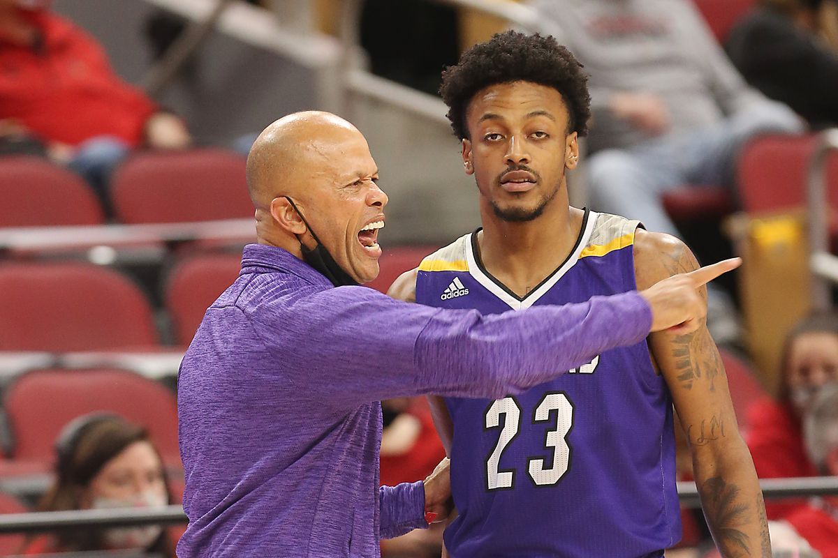WSU cougars basketball prairie view A&M preview game time