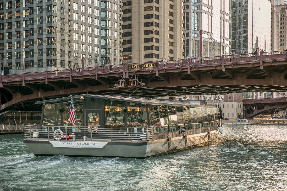 Cruise The Chicago River Year Round In This Glass Topped