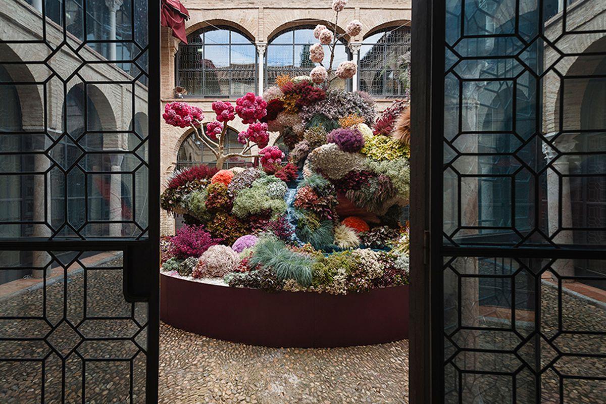 floral installation in Spanish courtyard