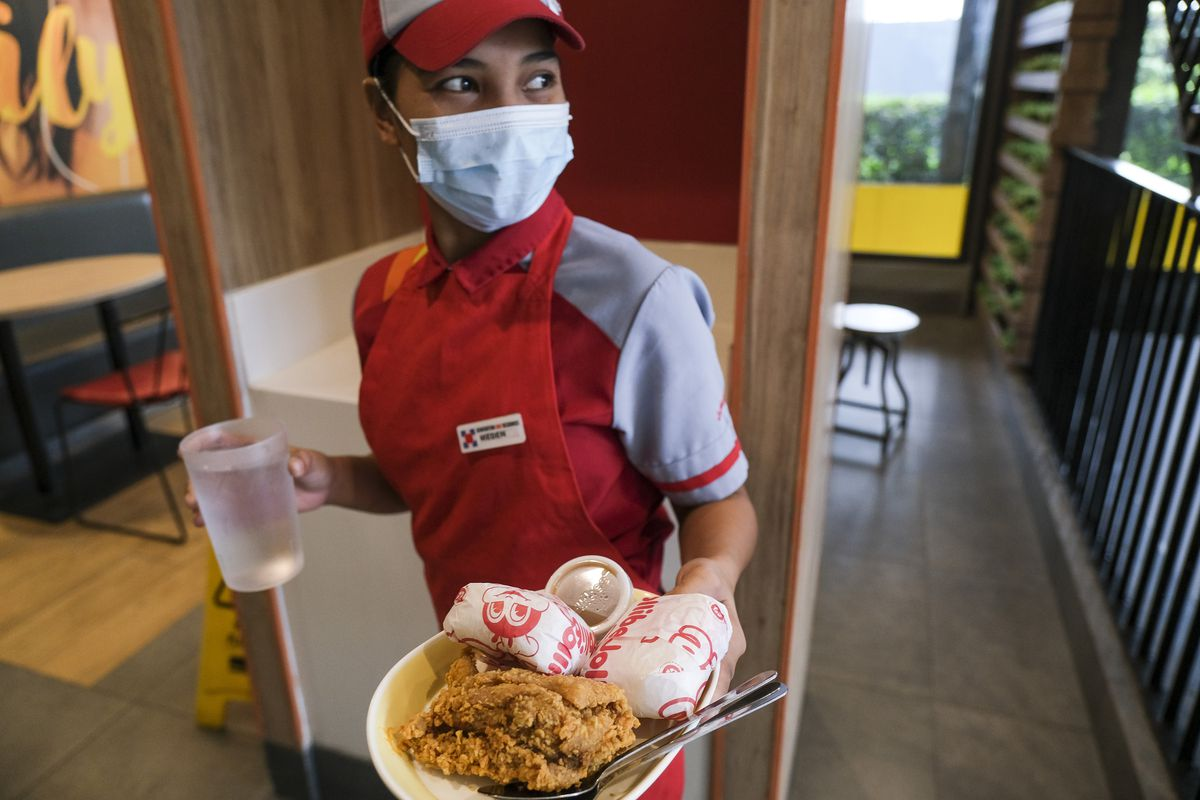 Jollibee Eyes 450 New, Mostly Overseas Stores as It Sees Rebound