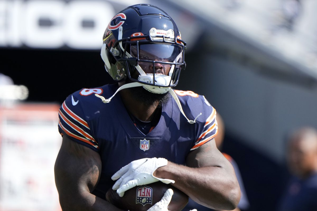 Chicago Bears running back Damien Williams (8) practices before the game against the Cincinnati Bengals at Soldier Field.