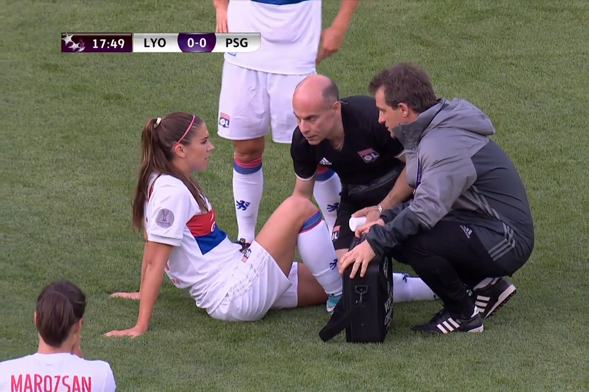 c05db3dd3 Alex Morgan out of Champions League final after 17 minutes - Stars ...