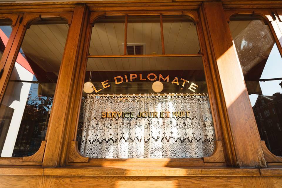 Le Diplomate DC window