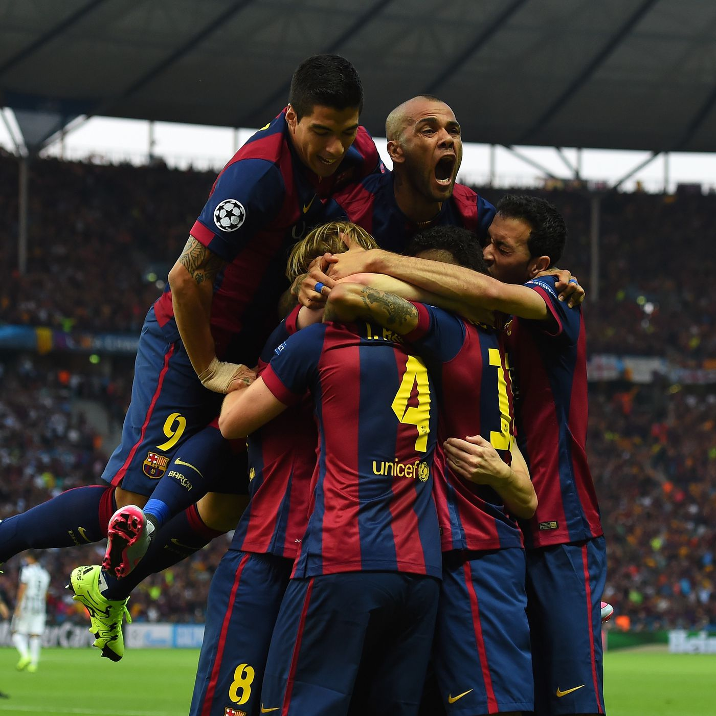 Barcelona Vs Juventus Final Score 3 1 Blaugrana Win The Treble After Dramatic Champions League Battle Sbnation Com