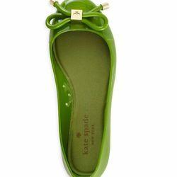 "<a href=""http://www.katespade.com/designer-shoes/womens-flats/kate-spade-julianna-too/S005020XG,default,pd.html?dwvar_S005020XG_color=354&start=1&cgid=kate-spade&q=jelly&navid=search""> Juliana Too jelly ballet flat</a>, $90 katespade.com"