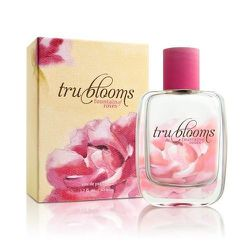 Tru Bloom produces great-smelling scents made from flowers planted, grown, and harvested in Chicago's urban gardens. The latest scent, Fountain of Roses, $42, is available at local shops including Milk Handmade at 5137 North Clark Street. Photo: Courtesy