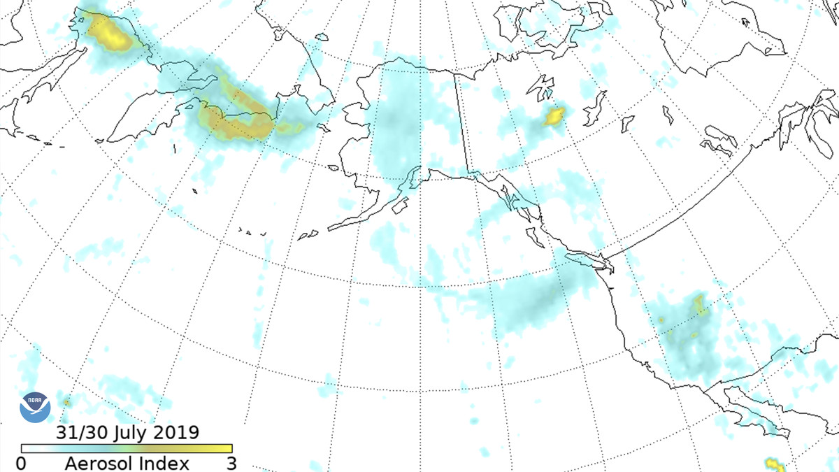 A NOAA map showing plumes from wildfires in Siberia reaching North America.