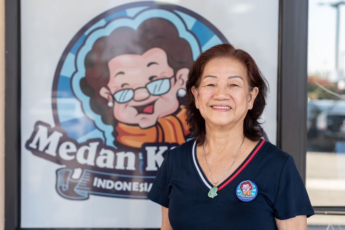 A portrait of Siu Chen, a 75-year-old Indonesian woman.