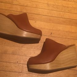 The Rachel Comey sample sale is going on now at 270 Mulberry Street. These clogs are $140.