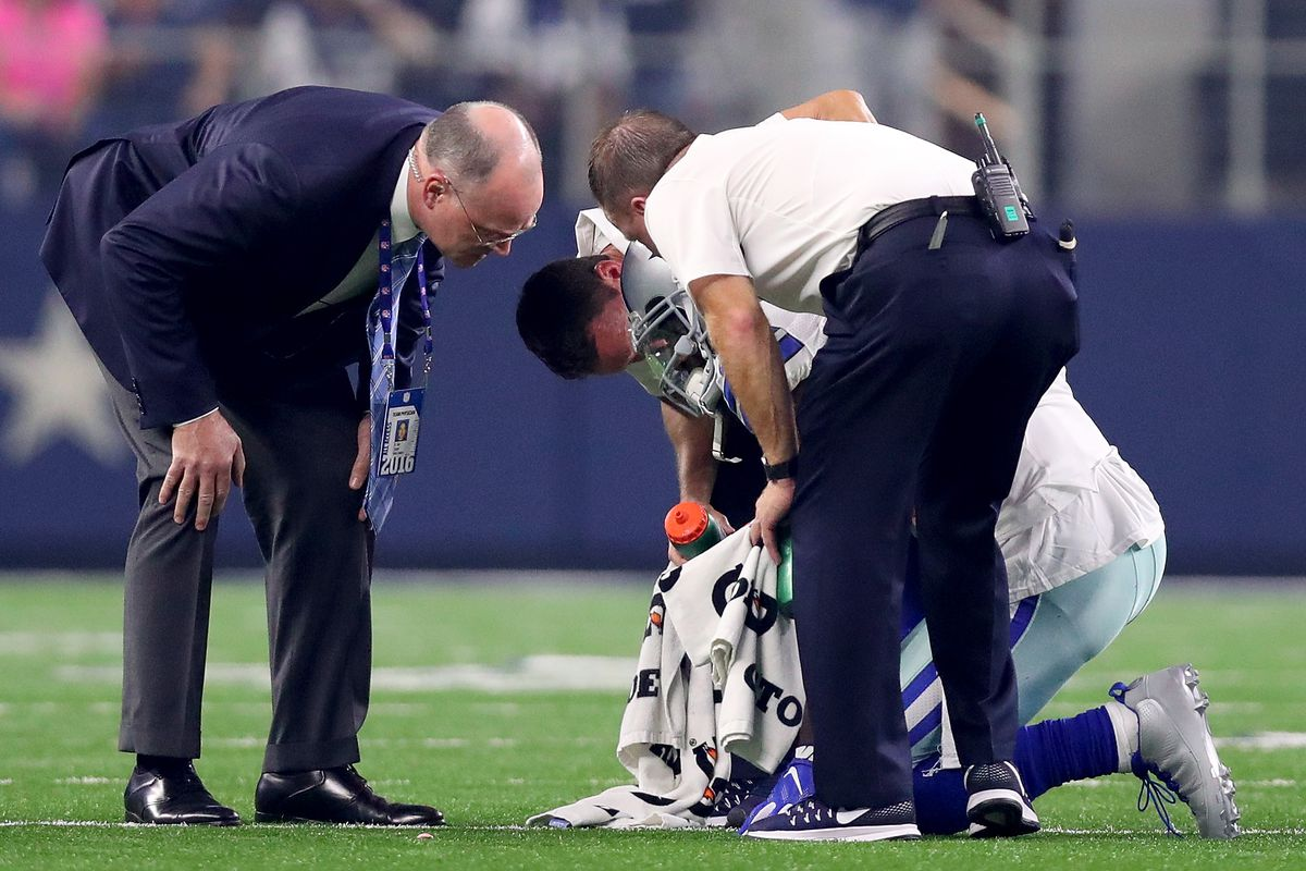 Dez Bryant Injury Has A Hairline Fracture Of The Knee