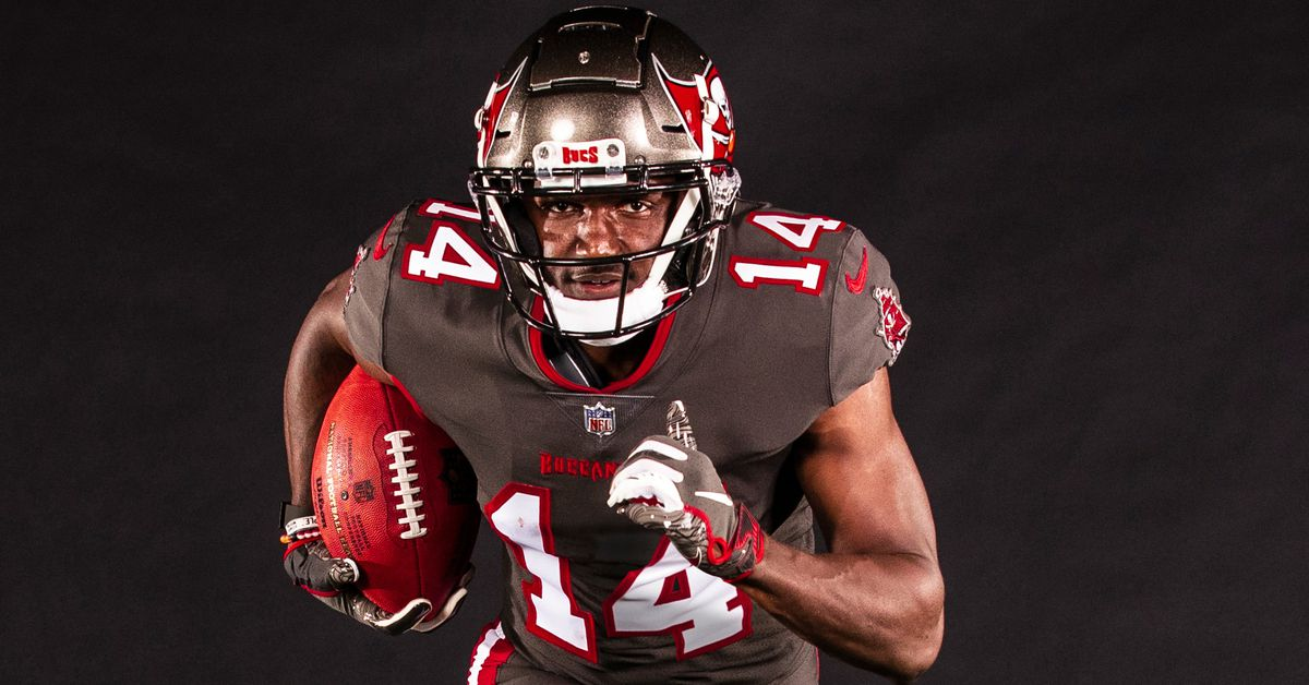 The best (and worst) reactions from Tampa Bay's new uniform announcement