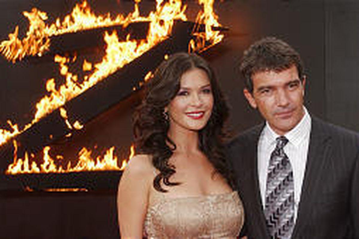 'Zorro' sequel reunites Catherine Zeta-Jones and Antonio Banderas.