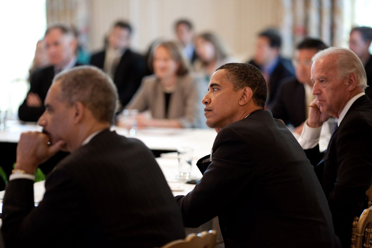 """A June 8, 2009 meeting of President Obama's """"Cabinet"""" to discuss stimulus implementation."""