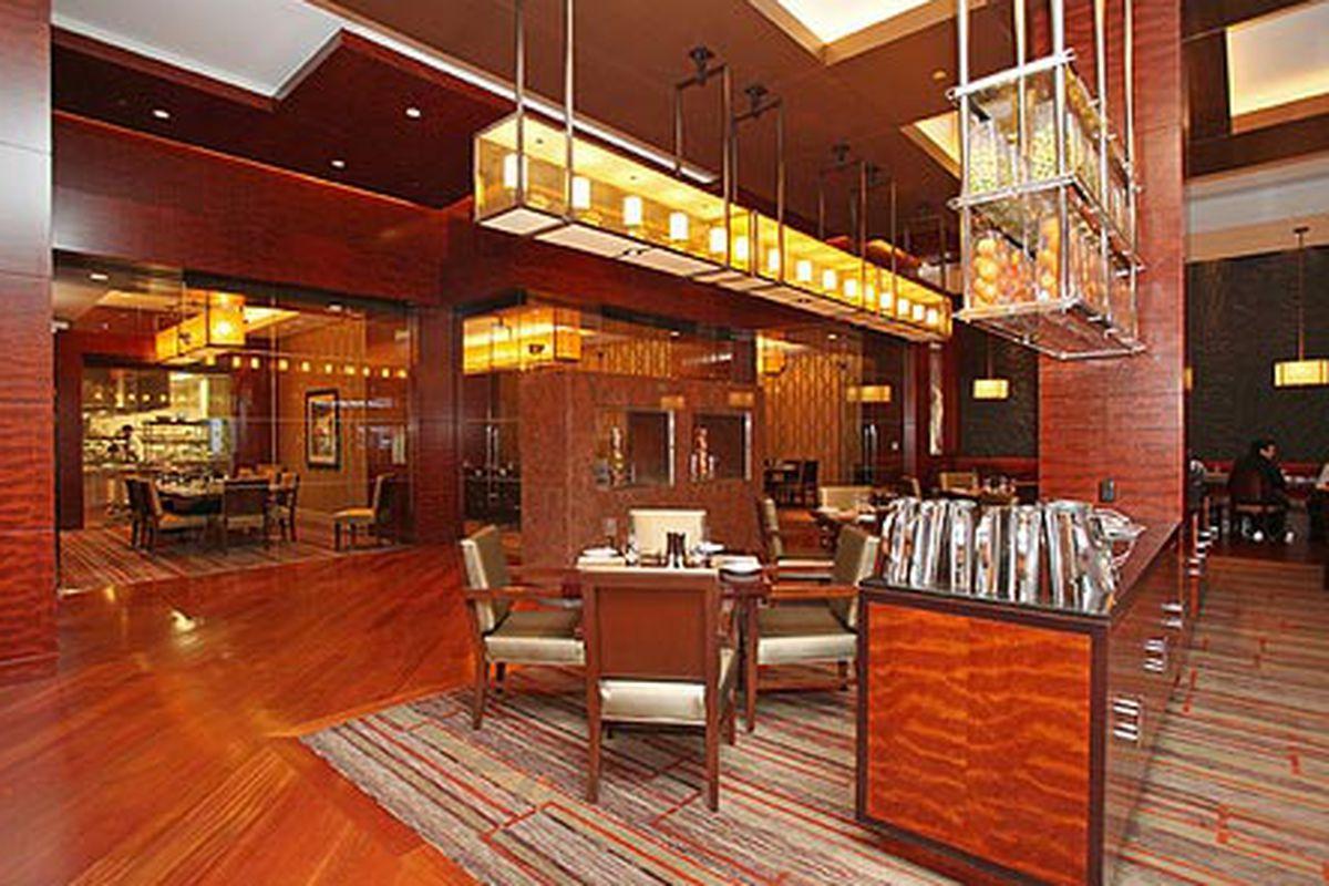EDGE Restaurant at The Four Seasons