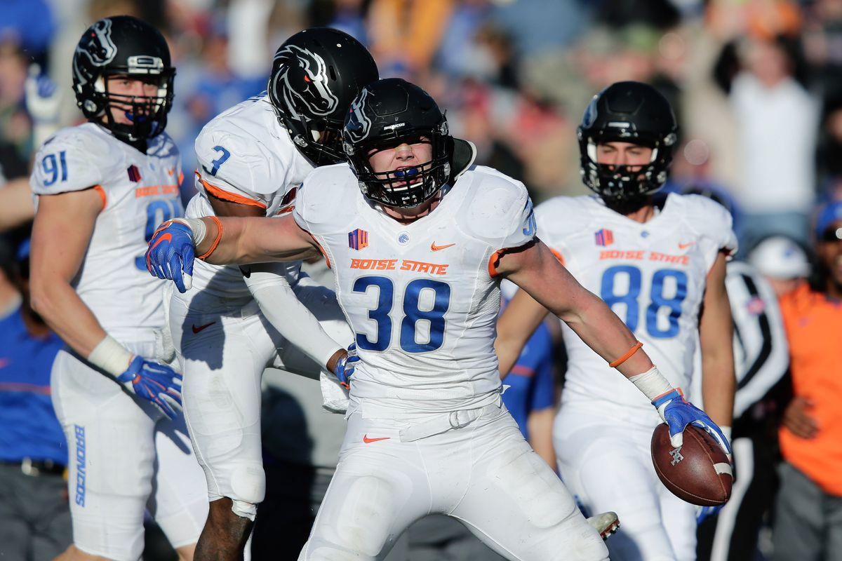 NFL Draft 2018  Why Cowboys picked Boise State LB Leighton Vander ... 1b24f042d