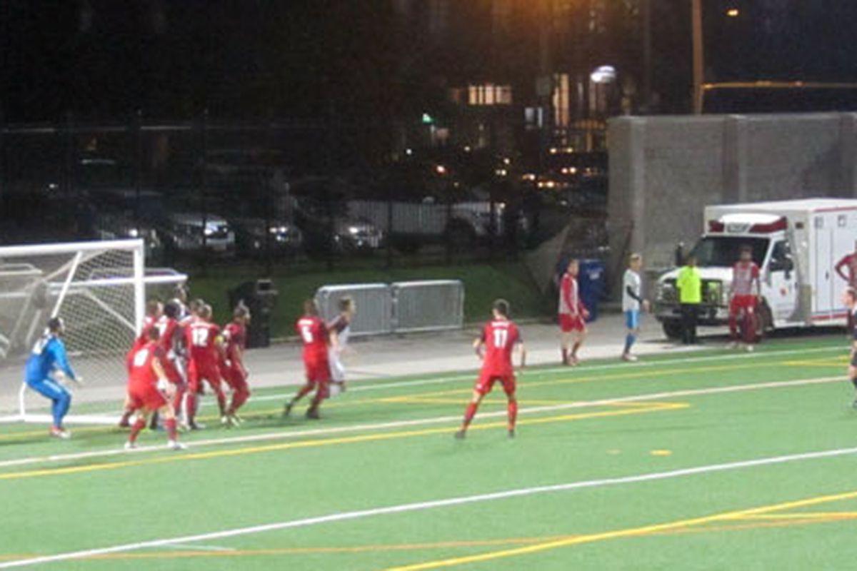 Robin Glover photo - Ottawa Fury FC's Cristian Portilla whips in an Olympico against Toronto FC II at Lamport Stadium
